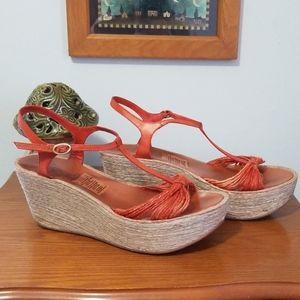 Kenneth Kole sandals